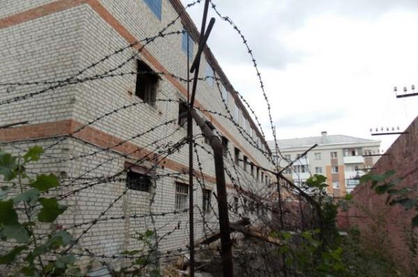 Заключенный сбежал из колонии на Алтае, чтобы выпить пива