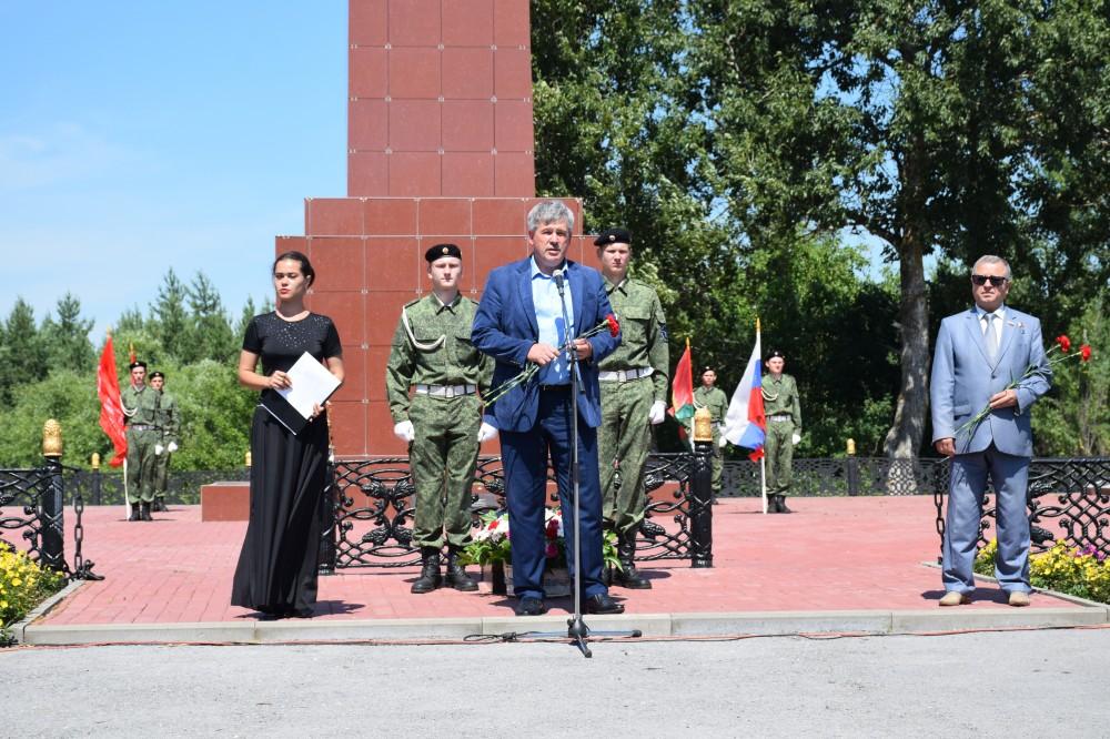 В Волово почтили память павших в боях за высоту Огурец