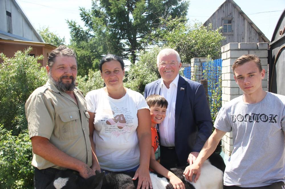 Николай Борцов поддерживает многодетные семьи