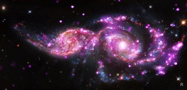 Теория относительности Альберта Эйнштейна подтверждена учёными в масштабах межгалактического пространства