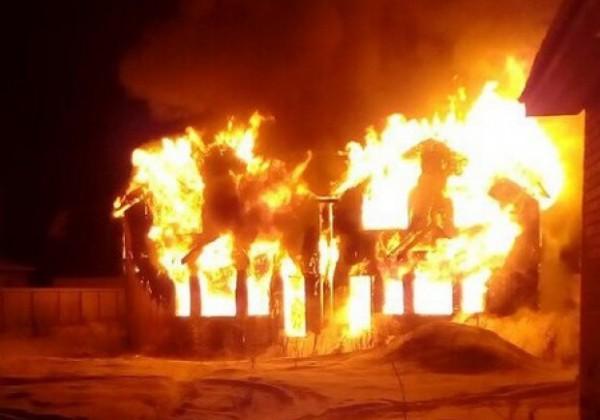 В Костромской области аферистки сожгли дом ради страховки