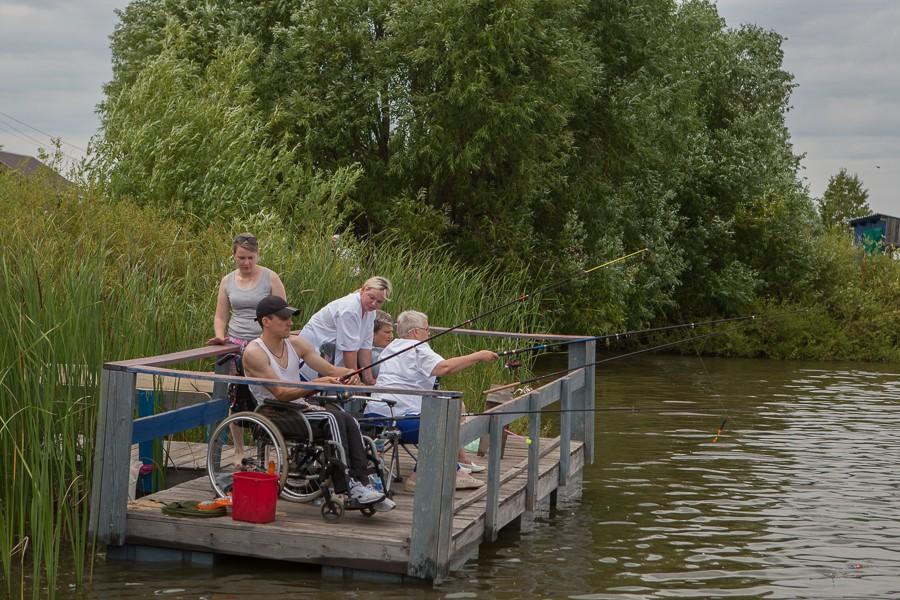 Фестиваль по рыболовному спорту среди инвалидов проходит в Липецкой области