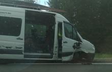 В Ярославской области фура столкнулась с микроавтобусом: пять пострадавших