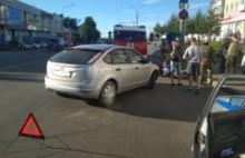 В ДТП в Рыбинске водитель мотоцикла получил серьезные травмы: видео аварии