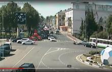 На Красной площади в Ярославле «потерялась» иномарка: видео