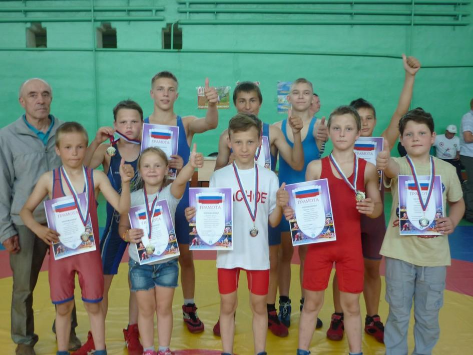 Юные краснинцы показали высокие результаты в турнире по вольной борьбе
