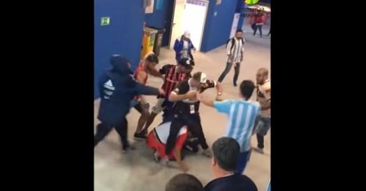 Аргентина требует депортировать  из России фанатов за драку (видео)