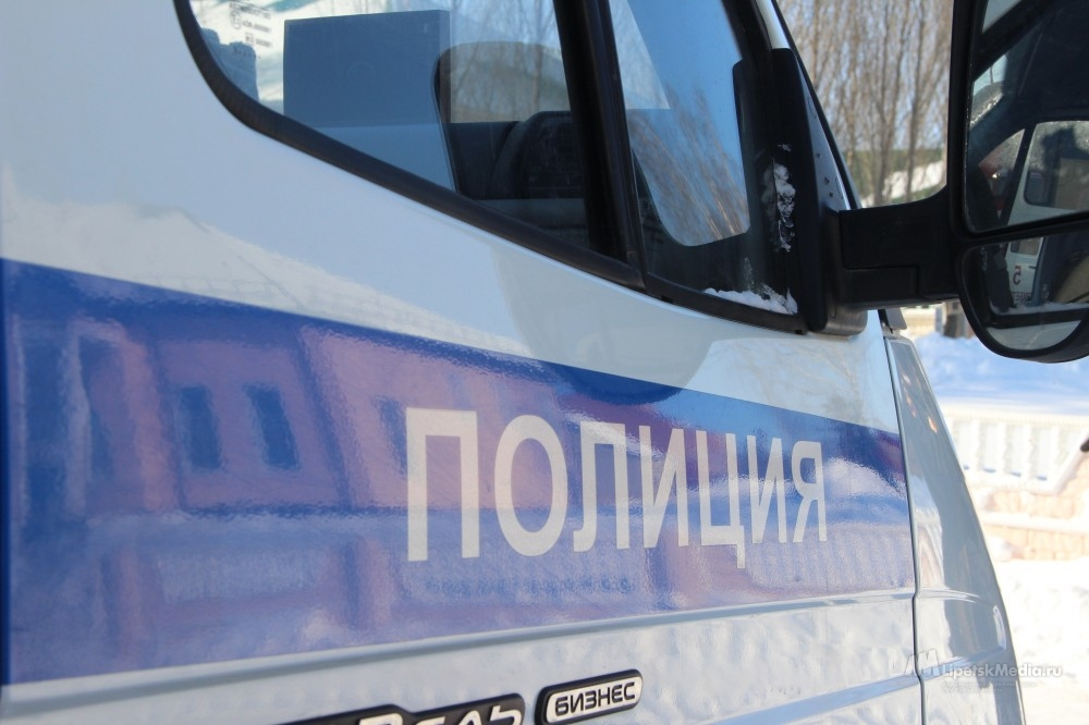 Липчанина подозревают в краже из полицейской машины
