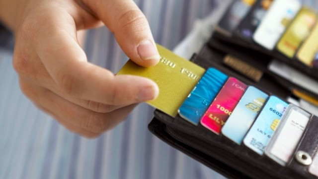 Налоговая будет проверять все переводы на банковскую карту с 1 июля 2018