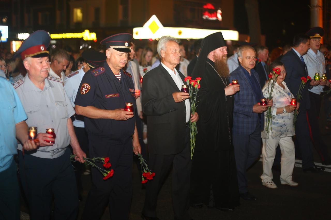 В Липецке зажгли свечи памяти