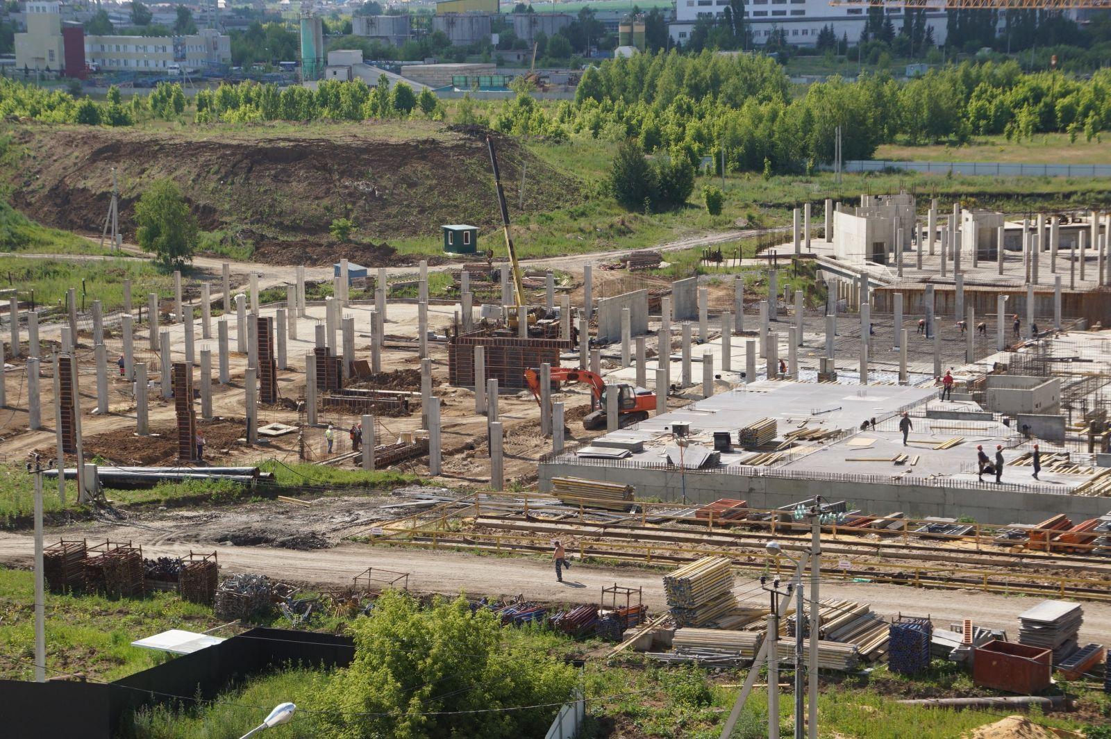 Новую ледовую арену строят в Липецке (фото)