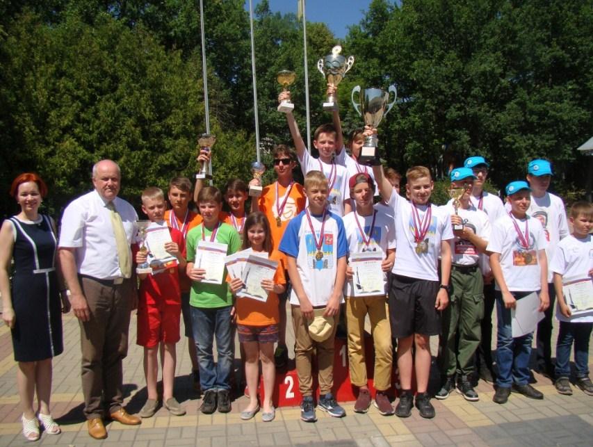 В Липецкой области школьники соревновались в ракетомоделировании