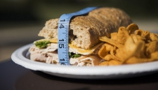 Эксперты рассказали, как периодическое голодание влияет на здоровье