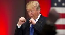 Дональд Трамп начал торговую войну против всего мира