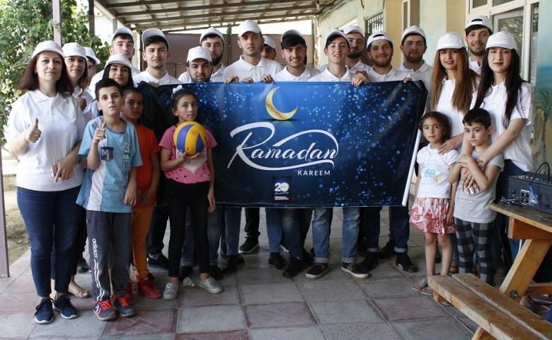 Компания QNET подарила праздник детям из приюта «Умид Йери»