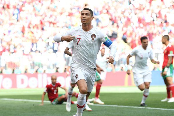 Криштиану Роналду забил четвёртый гол на ЧМ-2018, Уругвай и Россия вышли в плей-офф
