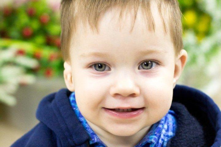 Мощный слуховой аппарат нужен маленькому мальчику из Новосибирска