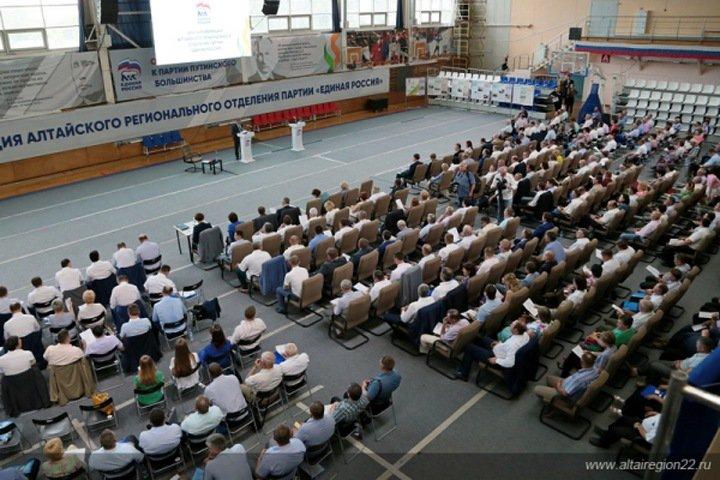 «Единая Россия» отправила Томенко на выборы алтайского губернатора