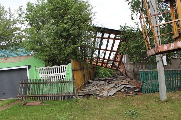 Ураган обрушился на Алтайский край