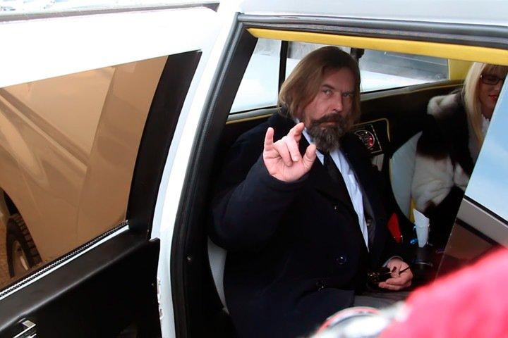 Экс-кандидат в мэры Новосибирска предложил Ольге Бузовой стать его женой