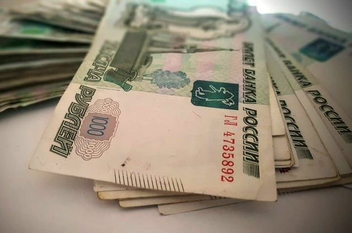 Чиновник коченевской администрации получил откат и передал коллеге