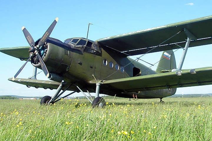 Самолет Ан-2 совершил жесткую посадку в Иркутской области