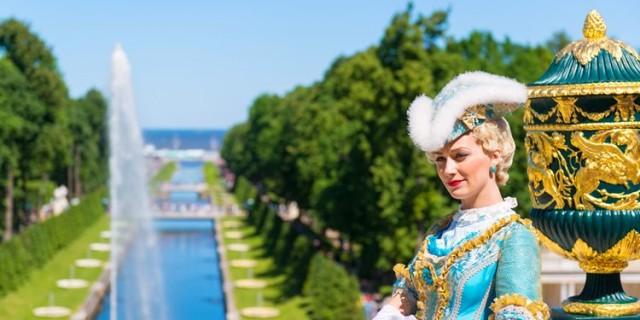 День города в Петергофе 14 июля 2018: жители и гости Петергофа празднуют День города