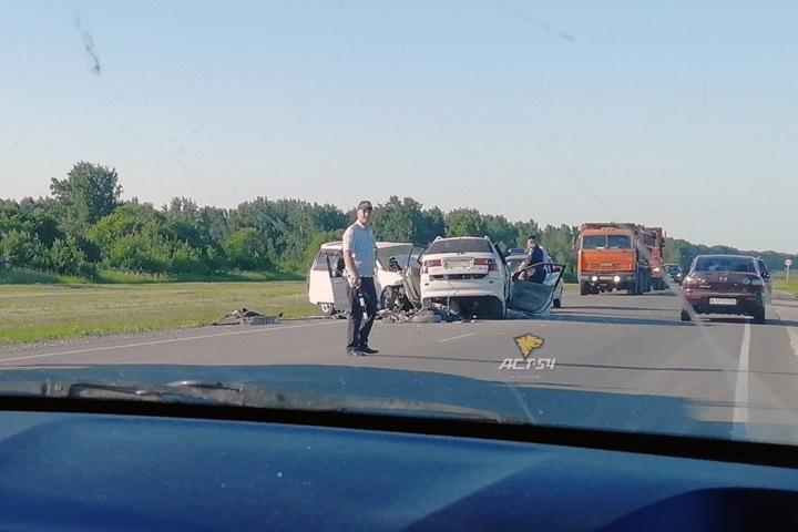 Четверо погибли в лобовом ДТП под Новосибирском