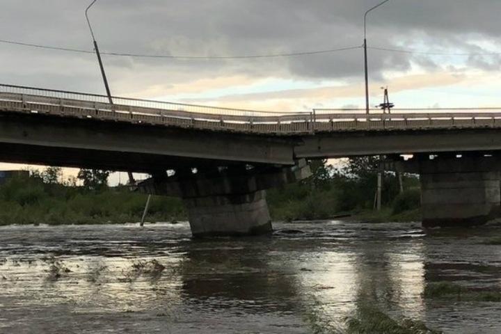 Мост в Чите разрушился из-за паводка