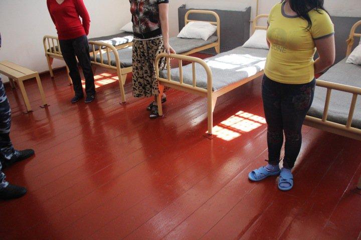 Женщинам-заключенным в томском СИЗО разрешили пользоваться косметикой