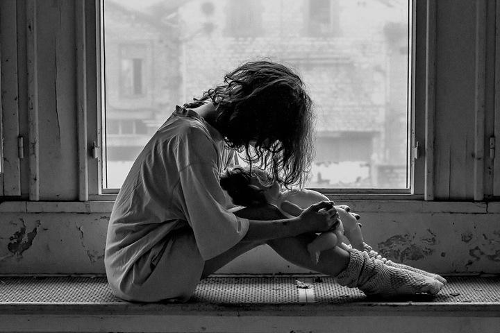Житель Красноярского края 11 лет насиловал несовершеннолетнюю дочь
