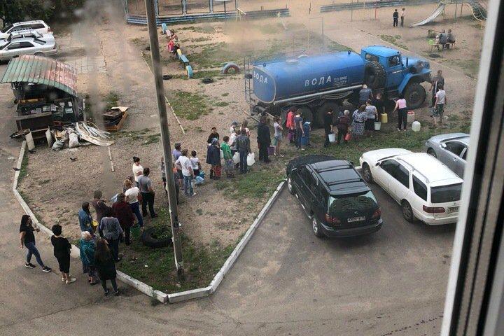 Наводнение в Забайкалье привело к загрязнению рек. Власти просят торговцев снизить цены на воду