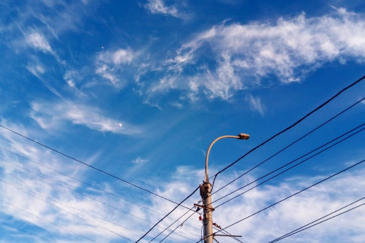 Небо Новосибирска очистят от проводов