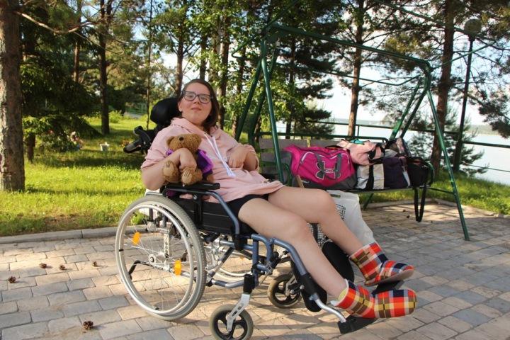 Девочке-подростку из Новосибирска требуется дорогостоящий курс лечения