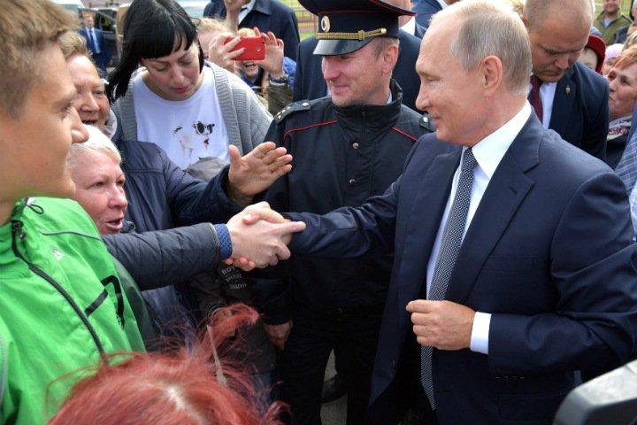 «Никого не хочет видеть после Путина. Такой стресс»: по следам президента в Новосибирске