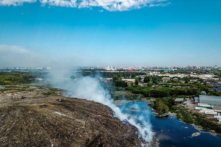 Директор новосибирского МУП «Спецавтохозяйство» о пожаре на свалке: «Знали, где поджечь»