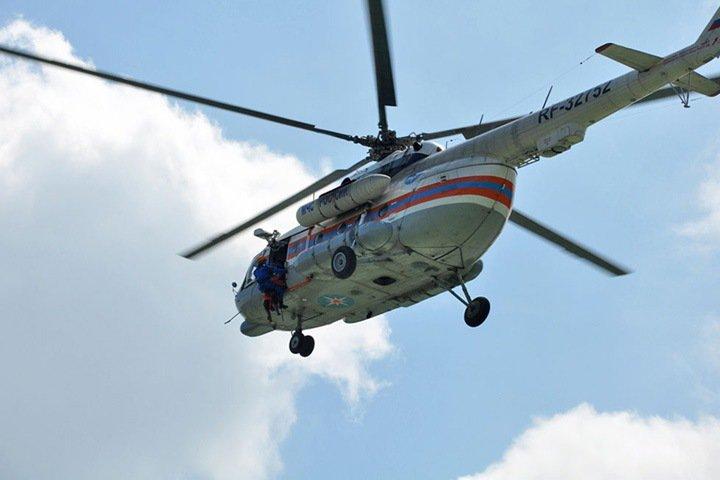 Вертолет МЧС вылетел в Республику Алтай к попавшим в беду туристам