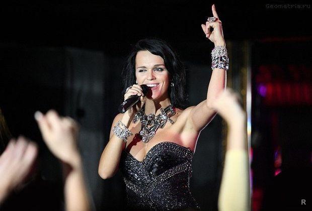 Слава начала свою музыкальную карьеру благодаря счастливому случаю