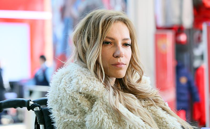 Почему Самойлова решила эмигрировать