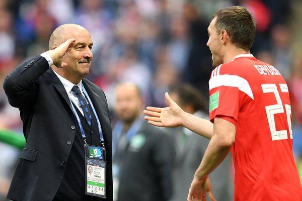 Черчесов объяснил назначение Дзюбы капитаном сборной России