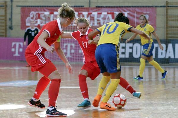 Мини-футболистки России при участии Самородовой сыграли вничью с Швецией