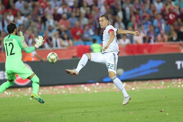 Гол Артёма Дзюбы принёс сборной России победу над Турцией