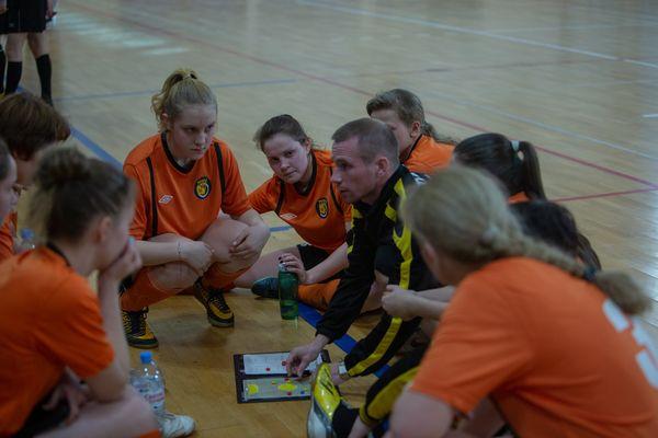 В Туле девушек приглашают заниматься футболом