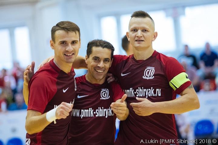 Мини-футбольный «Сибиряк» ищет спонсоров