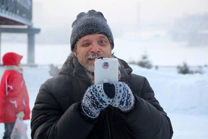 Избивший новосибирского блогера оказался помощником экс-депутата Купинского райсовета