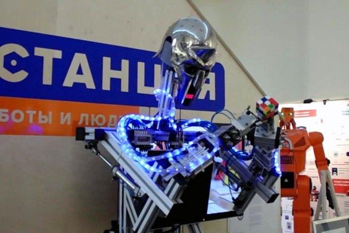 Новосибирцев решили записывать в МФЦ через «интеллектуального робота»