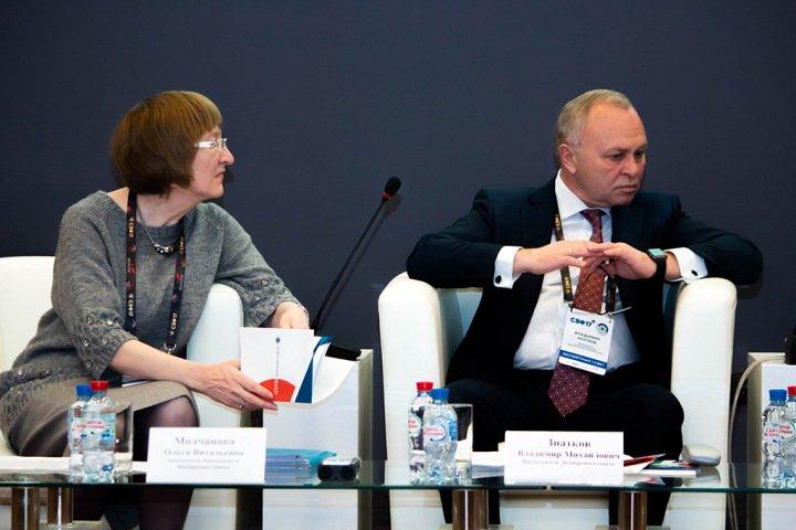 Выходной день: кто останется в правительстве Травникова после выборов