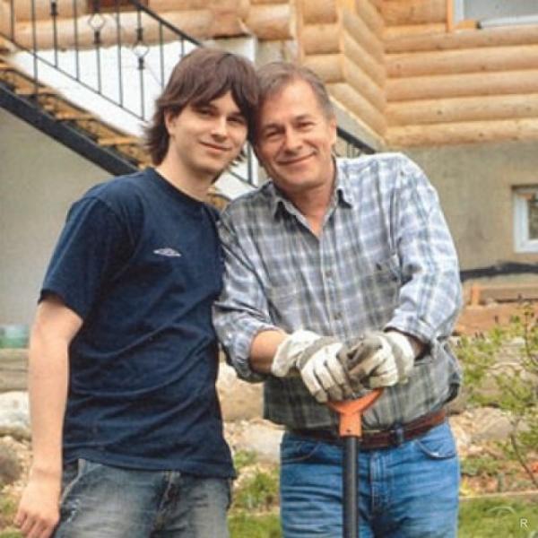 Актер Игорь Ливанов рассказал о том, что его сын Андрей Ливанов состоял в секте сайентологии
