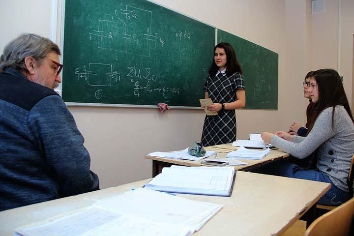 Директор новосибирской физматшколы обвинил Грефа в некомпетентности