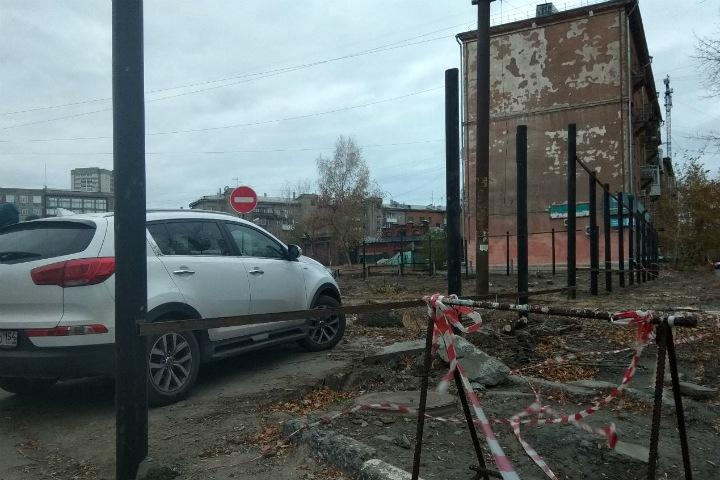 Мэр Новосибирска выступил против бизнес-центра у лицея №22